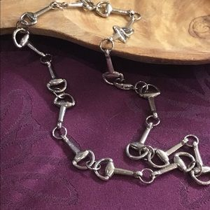 Necklace in silver tone
